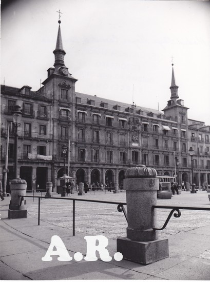 Catala Roca Plaza mayor Madrid.jpg