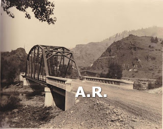 http://1.bp.blogspot.com/-Gxv1QUhxuHE/TbRUQf58HnI/AAAAAAAADZY/EyQN__C1wXM/s320/bridge+over+grandr+ronde+river+old+oregon+trail.jpg